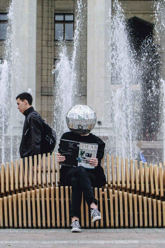 Photo by Vale Zmeykov on Unsplash.